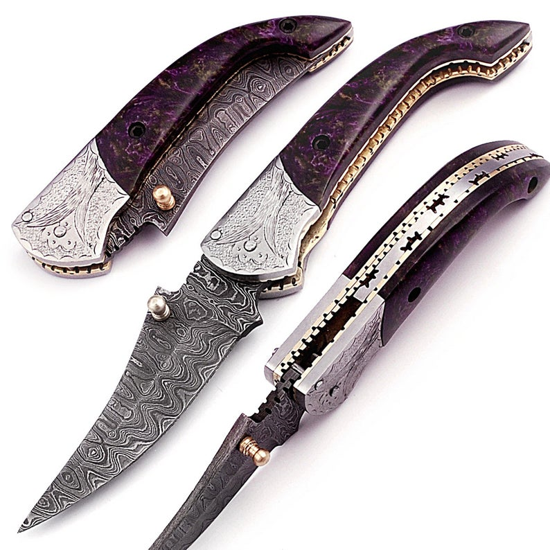 Custom Made Hand Made Damascus Under Lock Easy Knife GT-4012