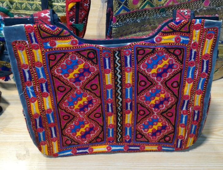 Handmade Embroidered Shoulder bag for women GZ-4